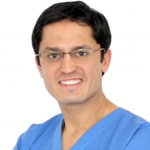 Dr. Álvaro Marín Escobar