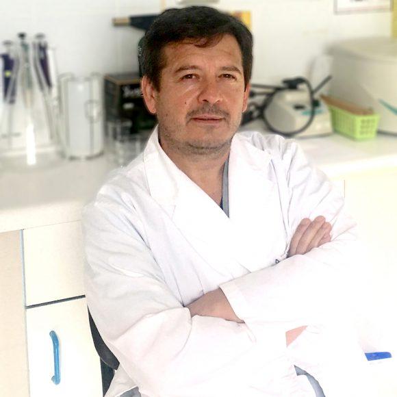 Dr.Joel Bravo Bown
